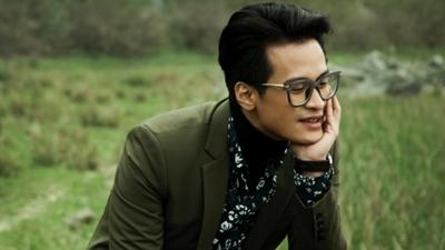 Chìm đắm trong giọng hát ngọt ngào của Hà Anh Tuấn vớibản cover Qua cơn mê