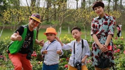 Gia đình Xuân Bắc lần đầu tiêntrình diễntại Tuần lễ thời trang trẻ em Việt Nam