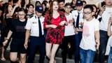 Hà Hồ, S.T 'đại náo'Cần Thơ giữa vòng vây hàng nghìn người hâm mộ