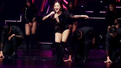 Hương Tràm, Hoàng Thuỳ Linh khoe vũ đạo bốc lửa, thể hiện hit mới trên sân khấu