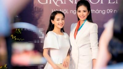 Nhã Phương diện đầm trắng thanh lịch 'đọ dáng' cùng Hoa hậu Ngọc Hân