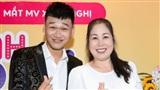 Dàn nghệ sĩ Việt đến mừng 'Mr Cần Trô' ra mắt sản phẩm đầu tay