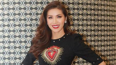Minh Tú ngẩng cao đầu, khoe thần thái sang trọng tại Miss Supranational 2018