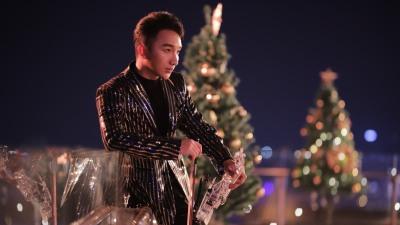 Hoàng Rob gửi tặng khán giả món quà Giáng Sinh bằng bản mash-up bắt tai