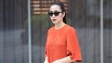 Tăng Thanh Hà 'nổi bần bật' trên phố trong loạt trang phục tự thiết kế
