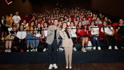 Fans lấp đầy rạp phim, cùng Mỹ Tâm xem cái kết mới phim 'Chị trợ lý của anh'