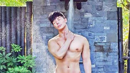 Nathan Lee khoe body nóng bỏng trong kỳ nghỉ dưỡng đầu năm