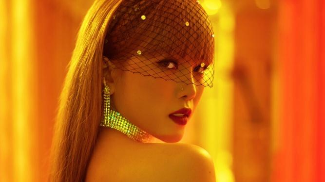Sau 1 năm vắng bóng, Thiều Bảo Trâm tung teaser MV mới đầy quyến rũ, bí ẩn