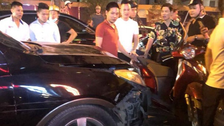 Hà Nội: Tai nạn xảy ra khắp nơi, ô tô, xe tải tông loạt người đi đường, ít nhất 2 người chết, nhiều người bị thương