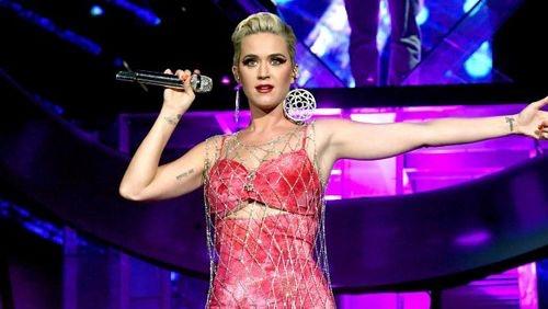 Katy Perry chuẩn bị phát hành bài hát mới: Là 'mũi neo' cứu lấy sự nghiệp hay tiếp tục trượt dài không phanh?