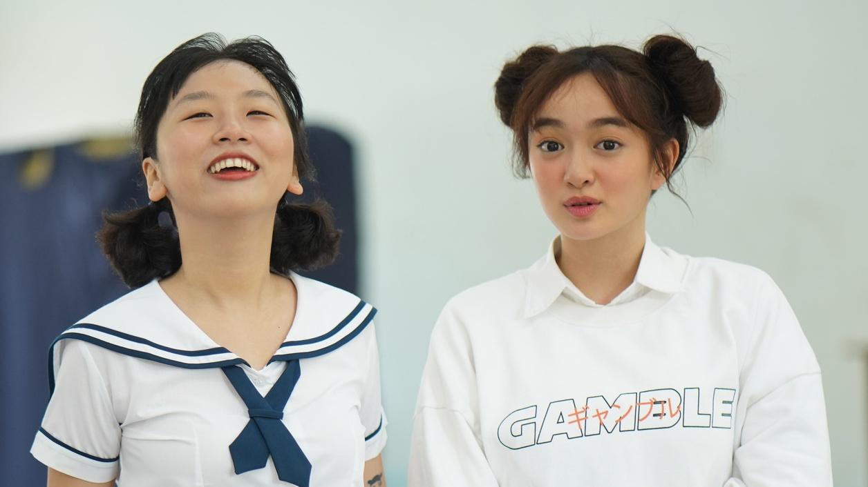 Kaity Nguyễn, Trang Hý và bạn bè gây náo loạn khi đến giao lưu tại trường cấp 3
