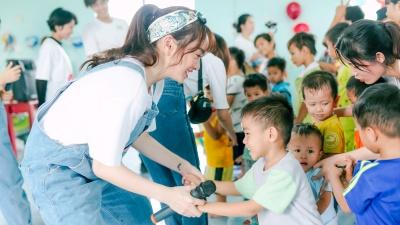 Kaity Nguyễn, Trang Hý... vui trung thu cùng các em nhỏ có hoàn cảnh khó khăn