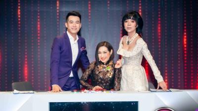 Lần đầu làm giám khảo 'Người hát tình ca', Hồ Trung Dũng bật khóc khi nghe thí sinh hát vì nhớ mẹ