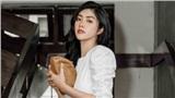 Hoa hậu Huỳnh Tiên giản dị tại sân bay lên đường dự Seoul Fashion Week tại Hàn Quốc