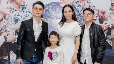 Vợ và hai con cùng dàn sao Việt đến chúc mừng Hoàng Bách ra mắt MV mới