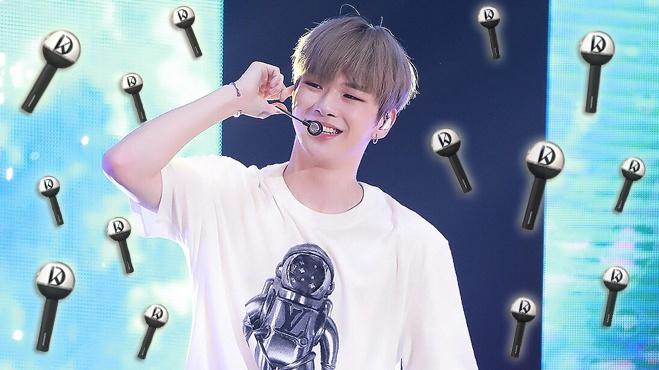 Không để fan 'thiệt thòi', Kang Daniel chính thức tiết lộ mẫu lightstick đẹp mê mẩn