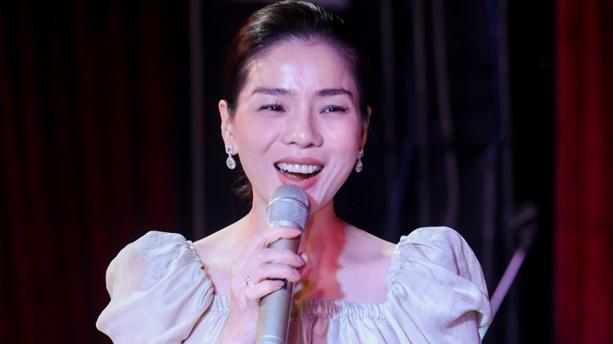 Lệ Quyên nghỉ hát 2 tháng để dồn lực cho liveshow