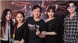 Vợ chồng Trấn Thành – Hari Won cùng hội bạn thân đến chúc mừng liveshow của John Huy Trần