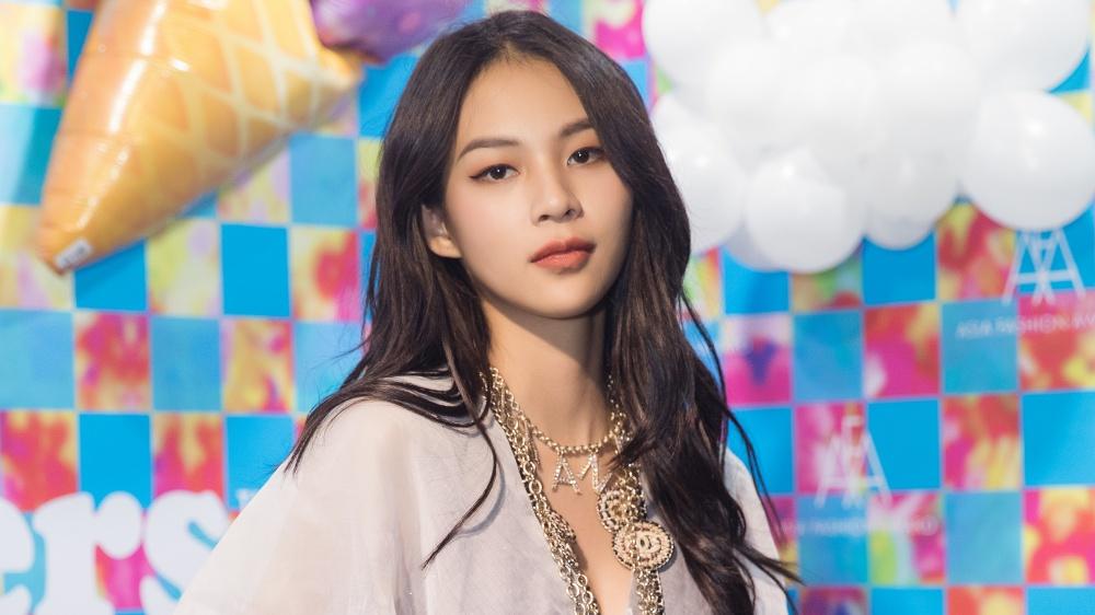 Phí Phương Anh diện set đồ nửa tỉ đồng 'chào sân' Asia Fashion Awards 2019