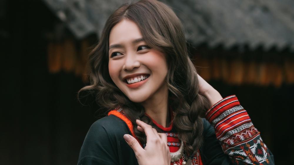 Khả Ngân chính thức lấn sân ca hát với MV đầu tiên hợp tác cùng Phan Mạnh Quỳnh