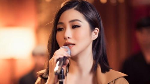 Hương Tràm tung teaser dự án hát live tại Mỹ sau gần một năm du học