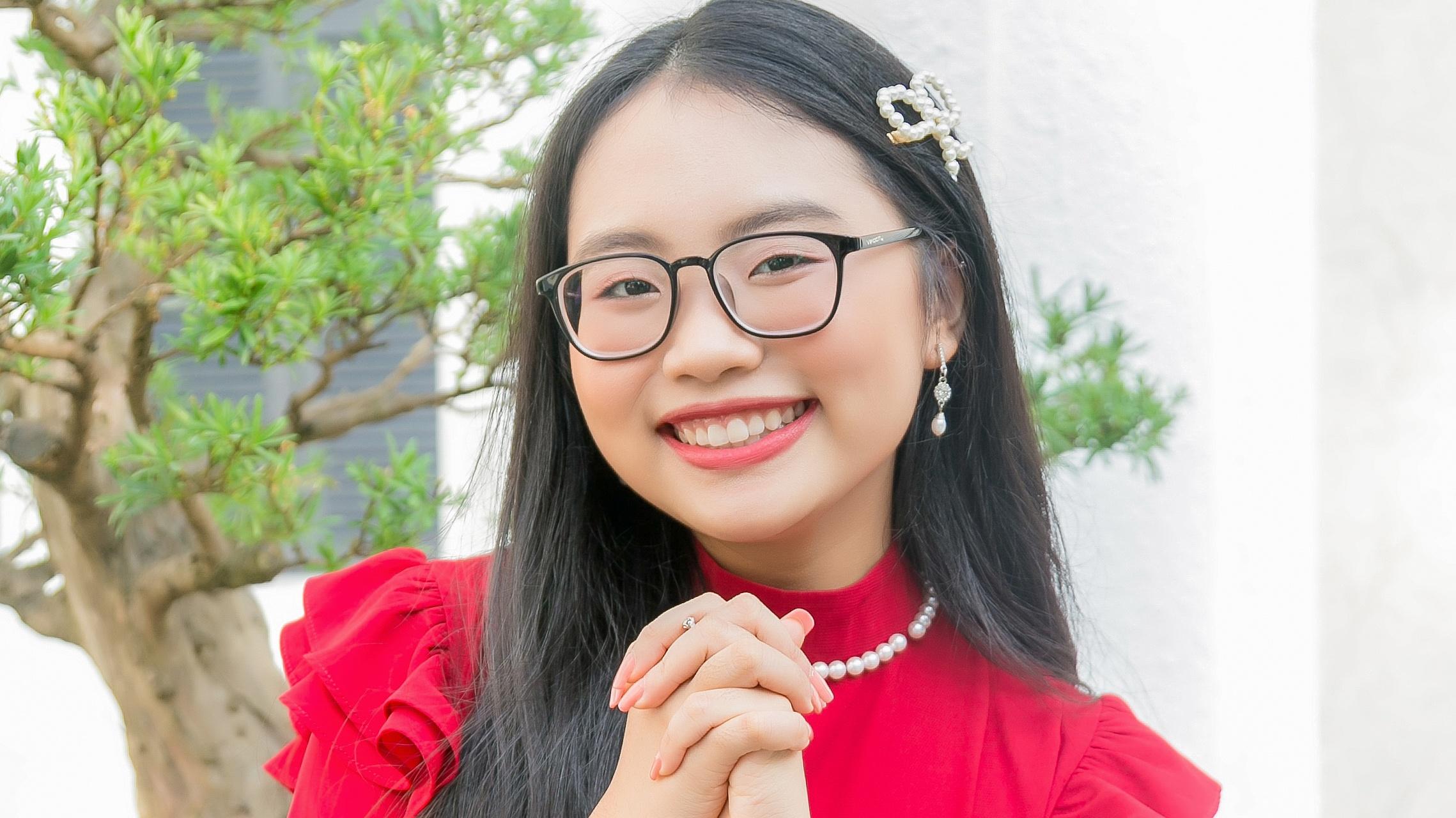 Phương Mỹ Chi: 'Em mang trên mình sứ mệnh bảo vệ dòng nhạc quê hương'