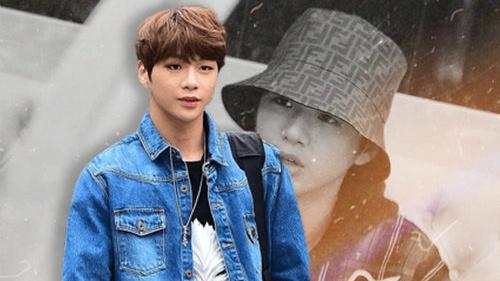 Lộ những hình ảnh gần đây của Kang Daniel hậu điều trị trầm cảm: Ngoại hình gầy gò nhưng tinh thần cải thiện rõ rệt