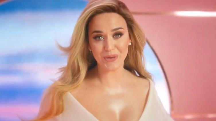 Katy Perry ra MV mới, bất ngờ thông báo đã có thai với Orlando Bloom
