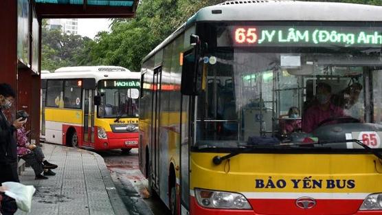Xe buýt Hà Nội hoạt động bình thường trở lại từ 4/5, hành khách phải ngồi giãn cách