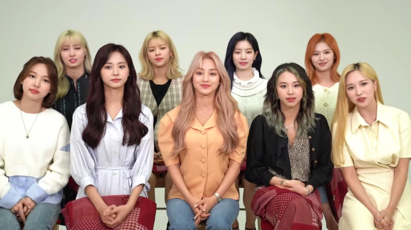 Để Twice phát hành single Nhật chỉ sau 1 tháng comeback tại Hàn, JYP Ent nhận 'mưa' chỉ trích