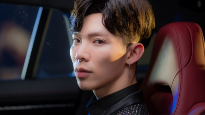 Erik chính thức tung MV comeback, hóa ra Đức Phúc - Hòa Minzy đóng vai chính mình!