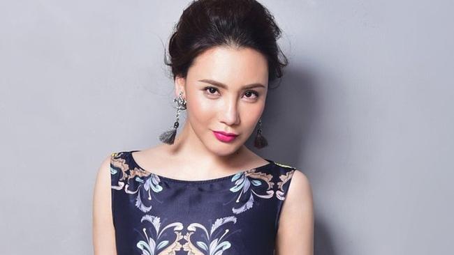 Hồ Quỳnh Hương bất ngờ tái xuất khoe giọng ngọt ngào da diết sau thời gian dài 'mất tích'
