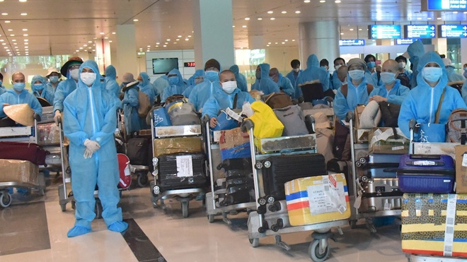 Sân bay Cần Thơ đón 339 công dân trở về từ Ấn Độ