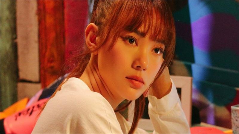 Tập 1 'Kẻ săn tin': Minh Hằng hóa thân thành nữ phóng viên, gặp 'kết đắng' vì mải mê 'bóc phốt'