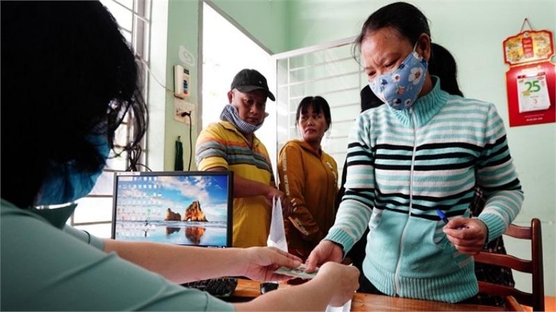 Giúp việc, thợ hồ, phụ hồ... được TP Hồ Chí Minh hỗ trợ 1 triệu đồng/tháng