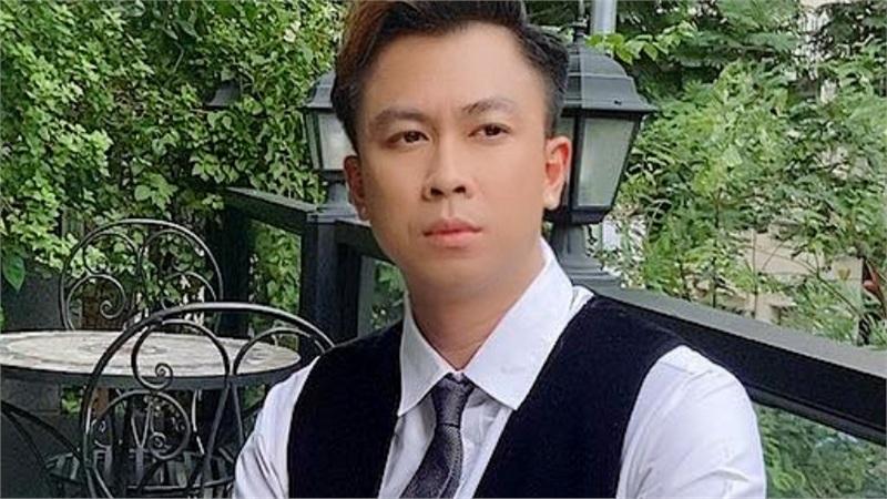 Hồ Việt Trung ra liên khúc Bolero song ca cùng hai con nuôi
