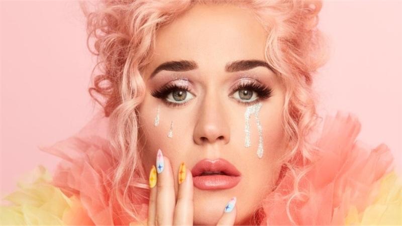Katy Perry chính thức tung album 'Smile' - Những giai điệu từ thời kỳ tăm tối nhất của cô nàng