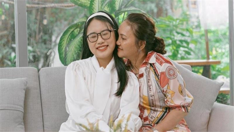 'Đã bao giờ mẹ hạnh phúc chưa?' của Phương Mỹ Chi: Câu hỏi tưởng chừng giản đơn mà bạn đã bao giờ nghĩ đến?