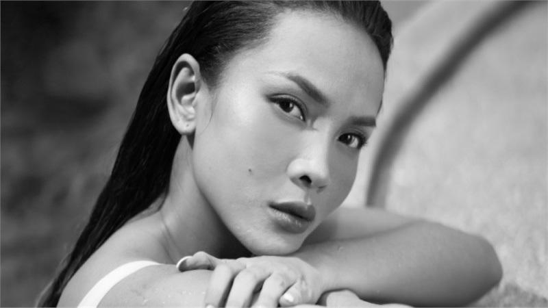Yến Trang tung bộ ảnh hở bạo, tiết lộ đang tìm nhạc để trở lại sau mùa giãn cách