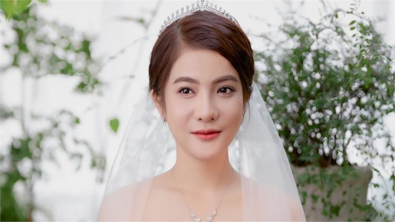 Bảo Yến Rosie hoá cô dâu cover 'Vợ chồng son' của Lâm Vỹ Dạ - Hứa Minh Đạt