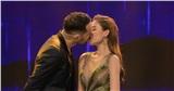 Sau diễn viên Việt Anh, Giang Hồng Ngọc hôn đắm đuối trai Tây trong hậu trường