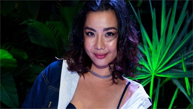 Lại Thanh Hương sắc lạnh khi mở màn trong show thời trang