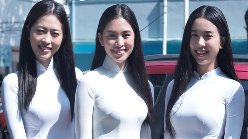Hoa hậu Tiểu Vy, Á hậu Phương Nga và Thúy An diện áo dài trắng mang quà trung thu đến thăm các bệnh nhi