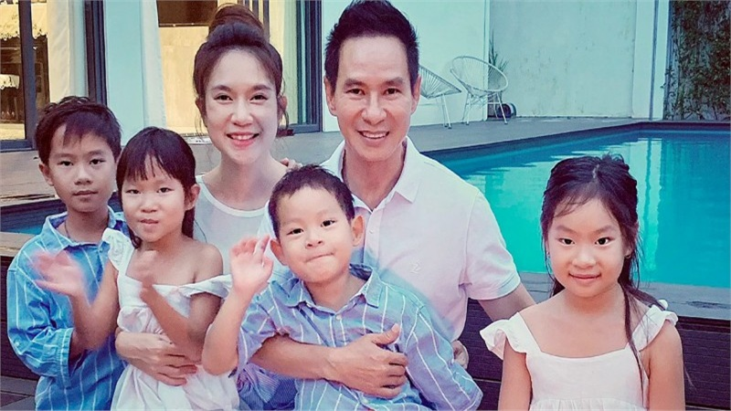 Minh Hà và các con quây quần mừng sinh nhật Lý Hải