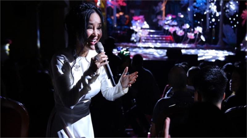 Hồng Nhung: Tôi nói thẳng với Thanh Lam 'bài này chỉ tao hát, mày không hát được'