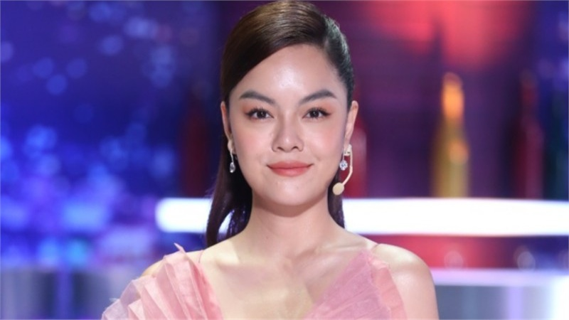 Phạm Quỳnh Anh: 'Tôi không làm việc vì top trending, không mang tiền tỷ đi làm MV'