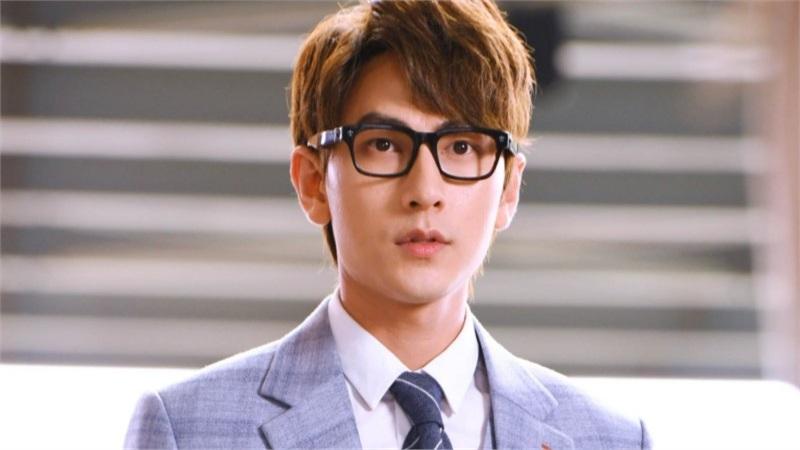 Isaac khóa môi, diễn cảnh nóng cùng Jun Vũ trong MV 'cửu vĩ hồ' đầy nước mắt