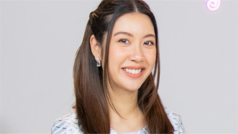 Thúy Vân chia sẻ quan điểm về việc 30 tuổi đổi nghề liệu có muộn?