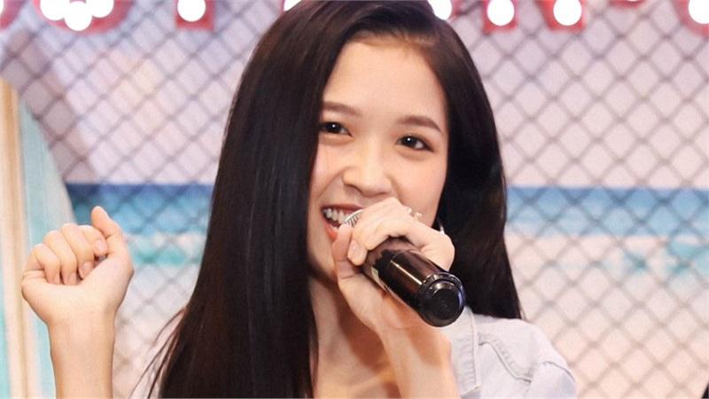 Suni Hạ Linh cùng loạt trai xinh gái đẹp 'gây náo loạn' tại sự kiện