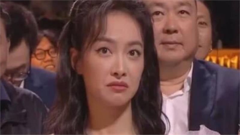 Thái độ coi thường của Tống Thiến gây sốc khi thấy Triệu Lệ Dĩnh lên sân khấu